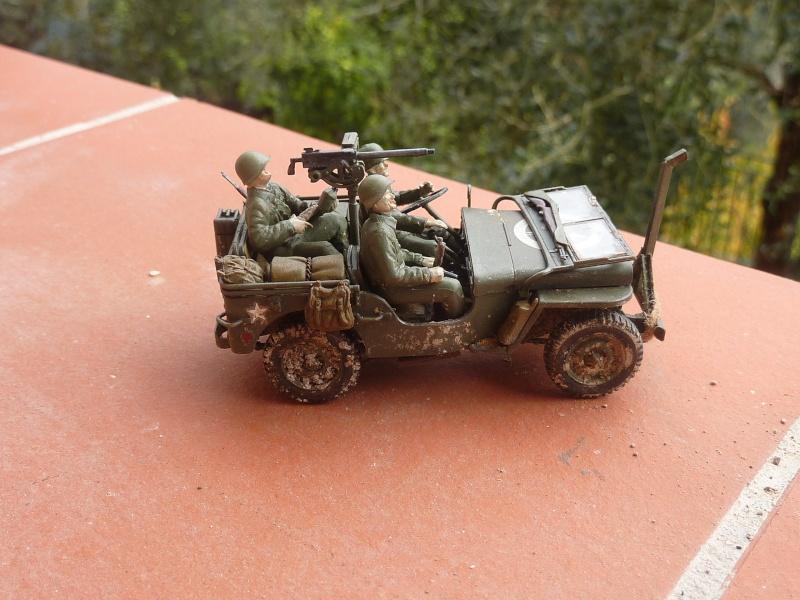 jeep indochine - Tamiya 1/48 M8..Scherman et Jeep P1060815