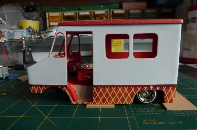 ice cream truck (fourgon) [WIP ... TERMINé - Page 3 P1070812