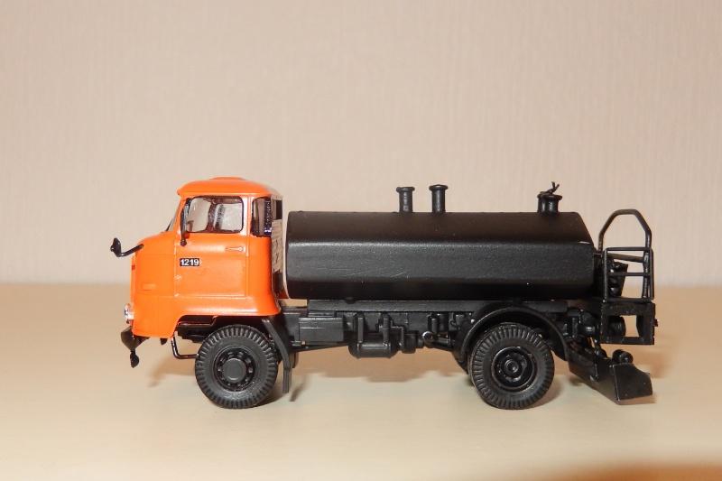 L 60 mit Goudronatoraufbau Dscn1920