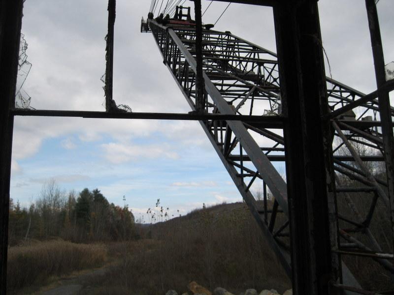 Old drag line crane/shovel Img_3712