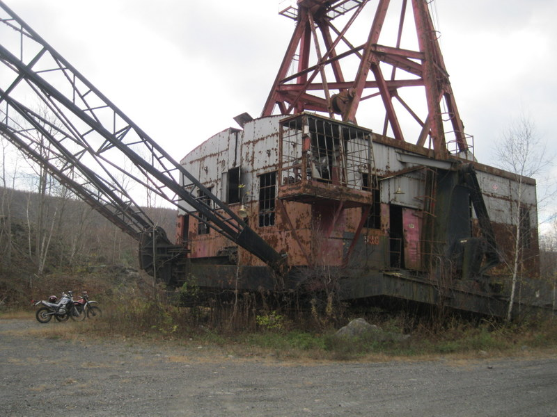 Old drag line crane/shovel Img_3715