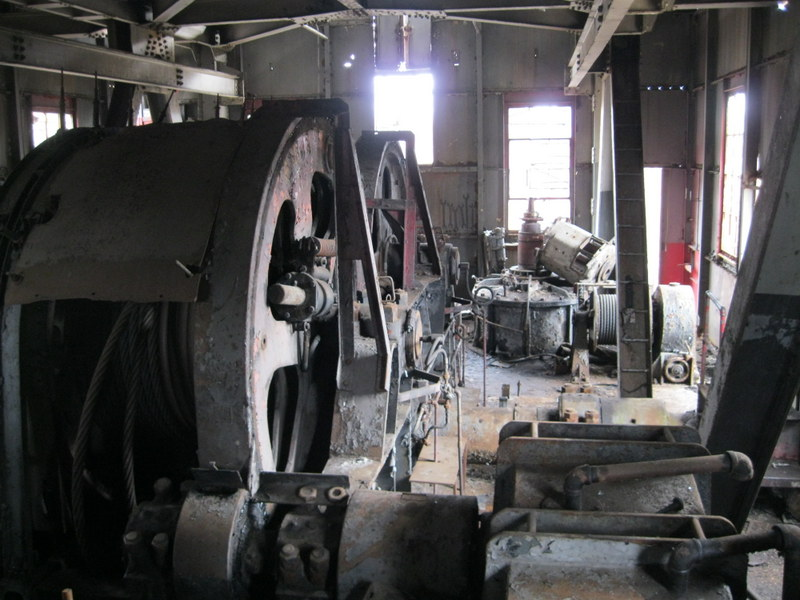 Old drag line crane/shovel Img_3717