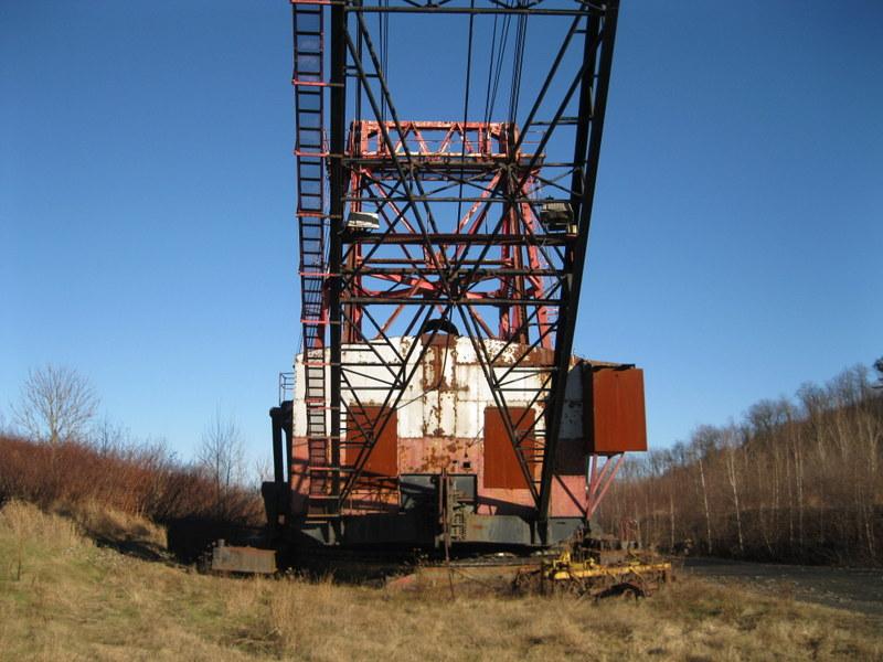 Old drag line crane/shovel Img_3822