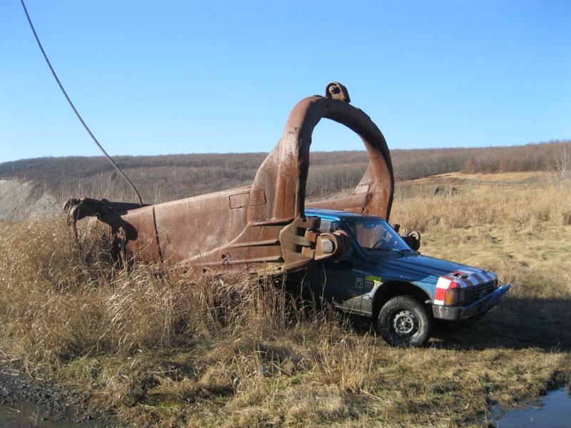 Old drag line crane/shovel Img_3823