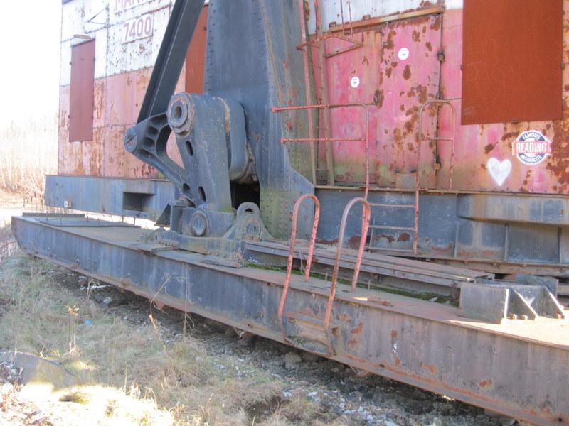 Old drag line crane/shovel Img_3827