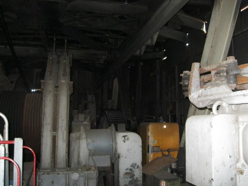 Old drag line crane/shovel Img_3828