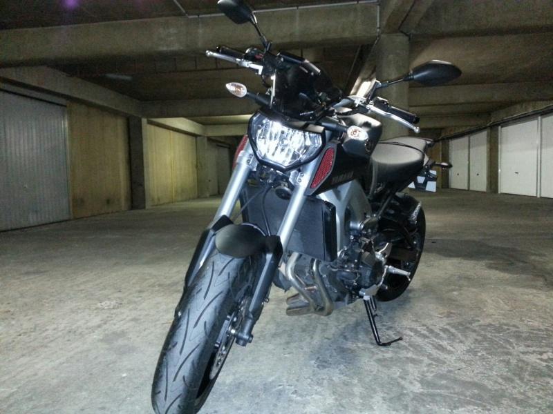 MT 09 MOTO CAGE : Mat Grey noire et rouge ;-) 20141113