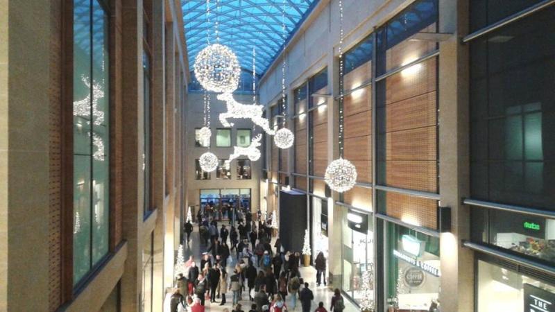 Luminarie natalizie in Italia e all'estero Inghil10
