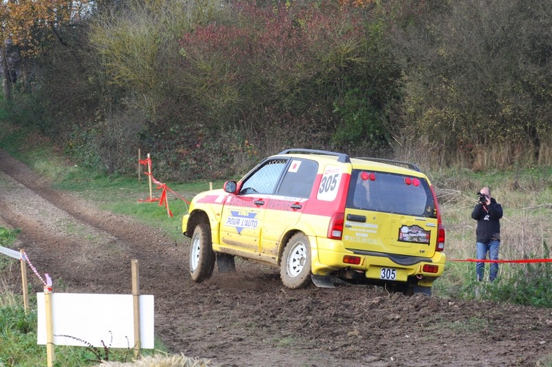 Recherche photos ou video Suzuki jaune N°305 Img_8812