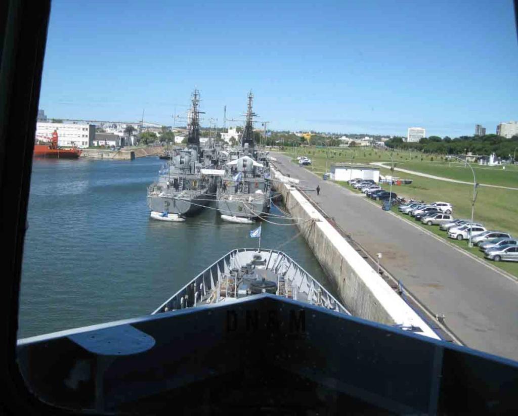 Defensa Nacional y el Mundo visito el ARA Bouchard Img-2031