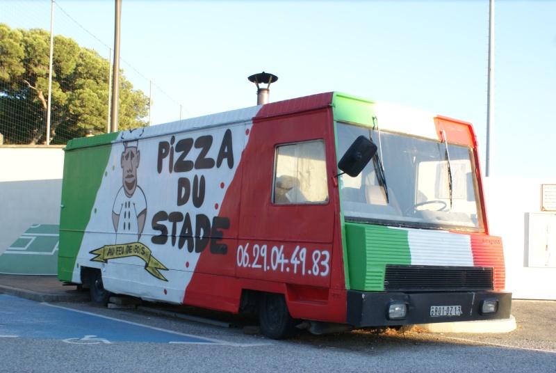 Les camions magasins (Pizza, marchés, etc etc) - Page 2 Dsc06710