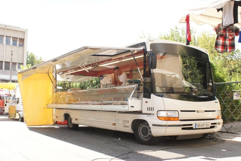 Les camions magasins (Pizza, marchés, etc etc) - Page 2 Dsc07712
