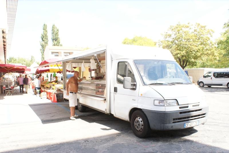 Les camions magasins (Pizza, marchés, etc etc) - Page 2 Dsc07714