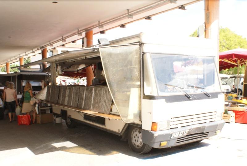 Les camions magasins (Pizza, marchés, etc etc) - Page 2 Dsc07715