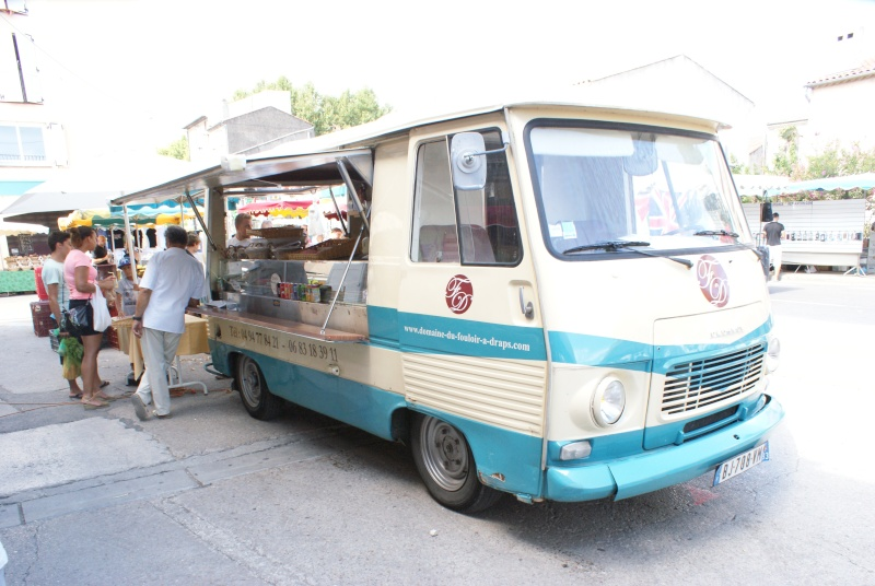 Les camions magasins (Pizza, marchés, etc etc) - Page 2 Dsc07717