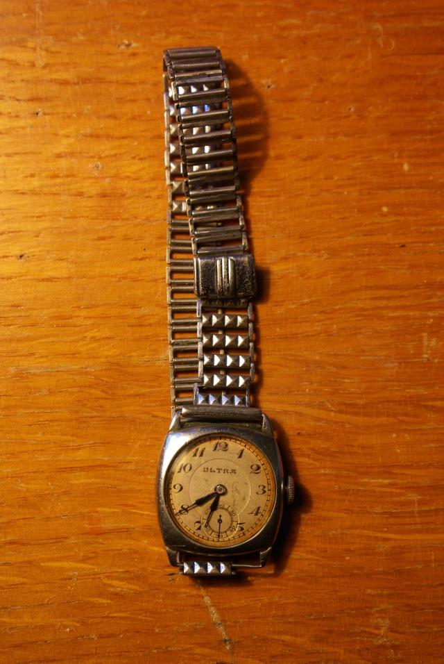 corum - [Postez ICI vos demandes d'IDENTIFICATION et RENSEIGNEMENTS de vos montres] - Page 23 Imgp0612