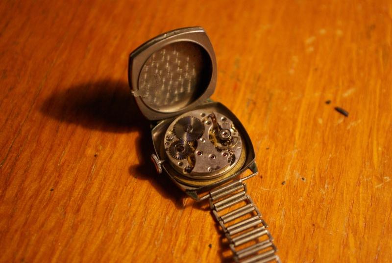 corum - [Postez ICI vos demandes d'IDENTIFICATION et RENSEIGNEMENTS de vos montres] - Page 23 Imgp0613