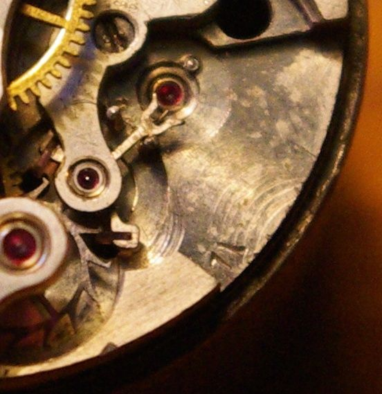 corum - [Postez ICI vos demandes d'IDENTIFICATION et RENSEIGNEMENTS de vos montres] - Page 23 Ultra_11