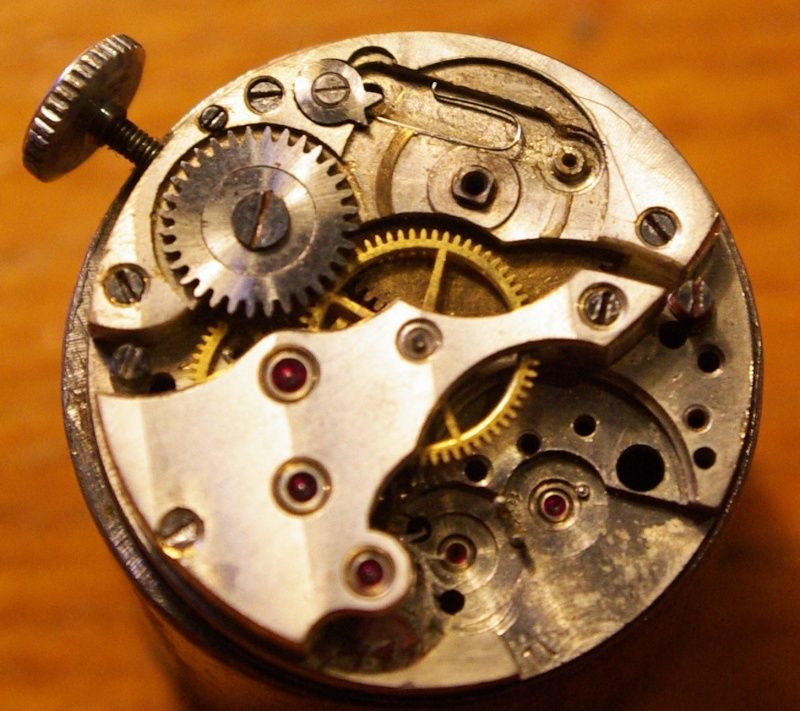 corum - [Postez ICI vos demandes d'IDENTIFICATION et RENSEIGNEMENTS de vos montres] - Page 23 Ultra_12