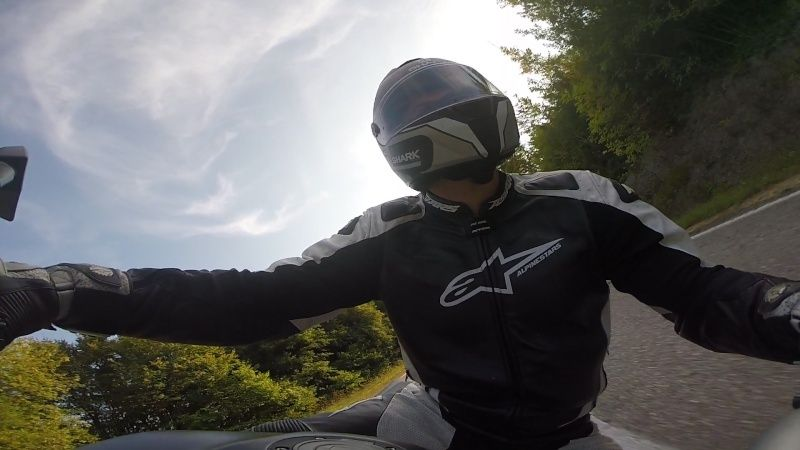 support gopro sur moto - Page 2 Vlcsna10