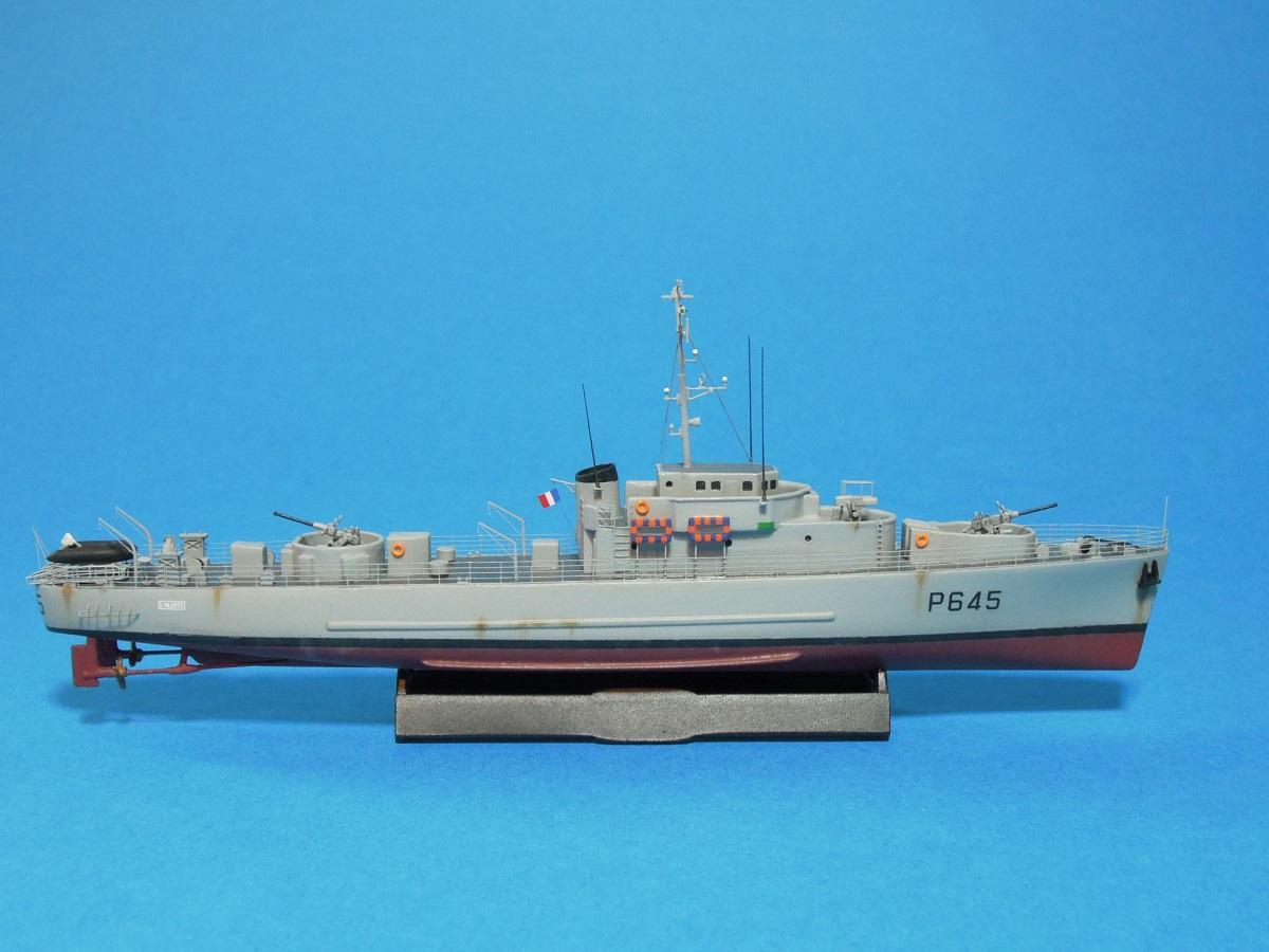 Escorteur côtier L'ALERTE - 1/400 de L'Arsenal  510
