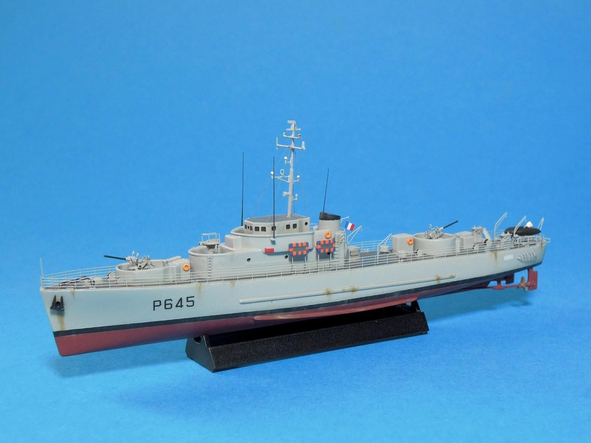 Escorteur côtier L'ALERTE - 1/400 de L'Arsenal  710