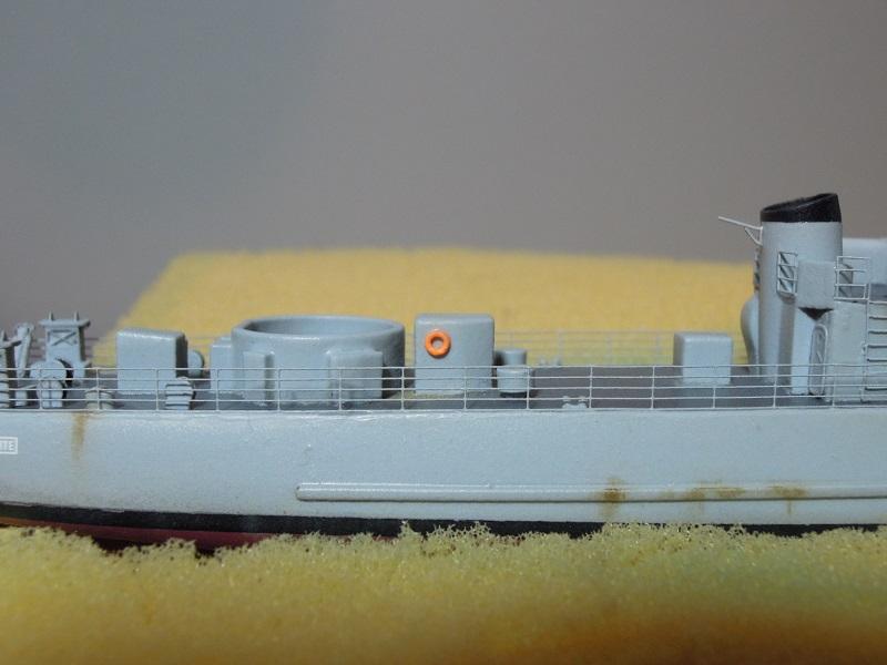 Escorteur côtier L'ALERTE - 1/400 de L'Arsenal par Dewoitine - Page 5 Dscn6412