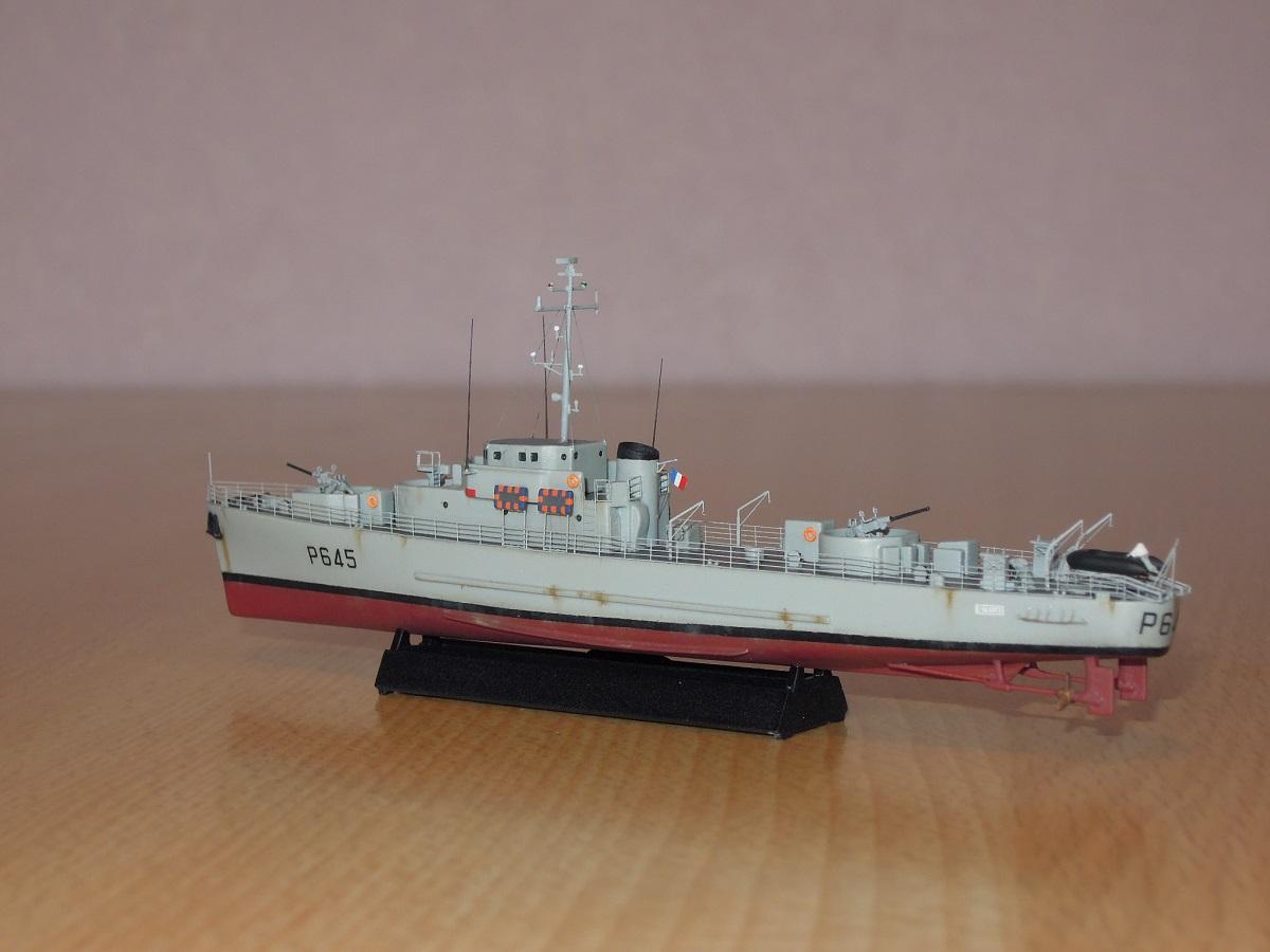 Escorteur côtier L'ALERTE - 1/400 de L'Arsenal  Dscn6610
