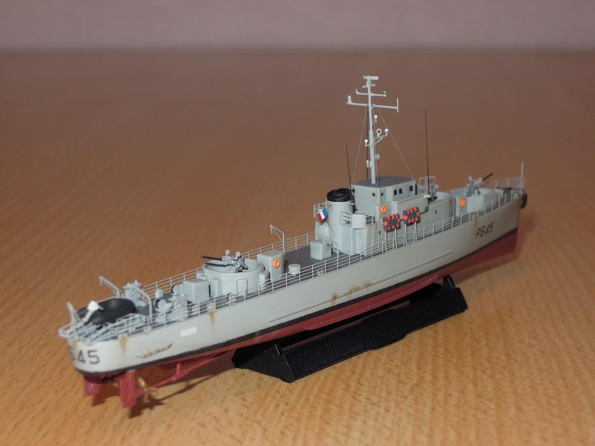 Escorteur côtier L'ALERTE - 1/400 de L'Arsenal  Dscn6611
