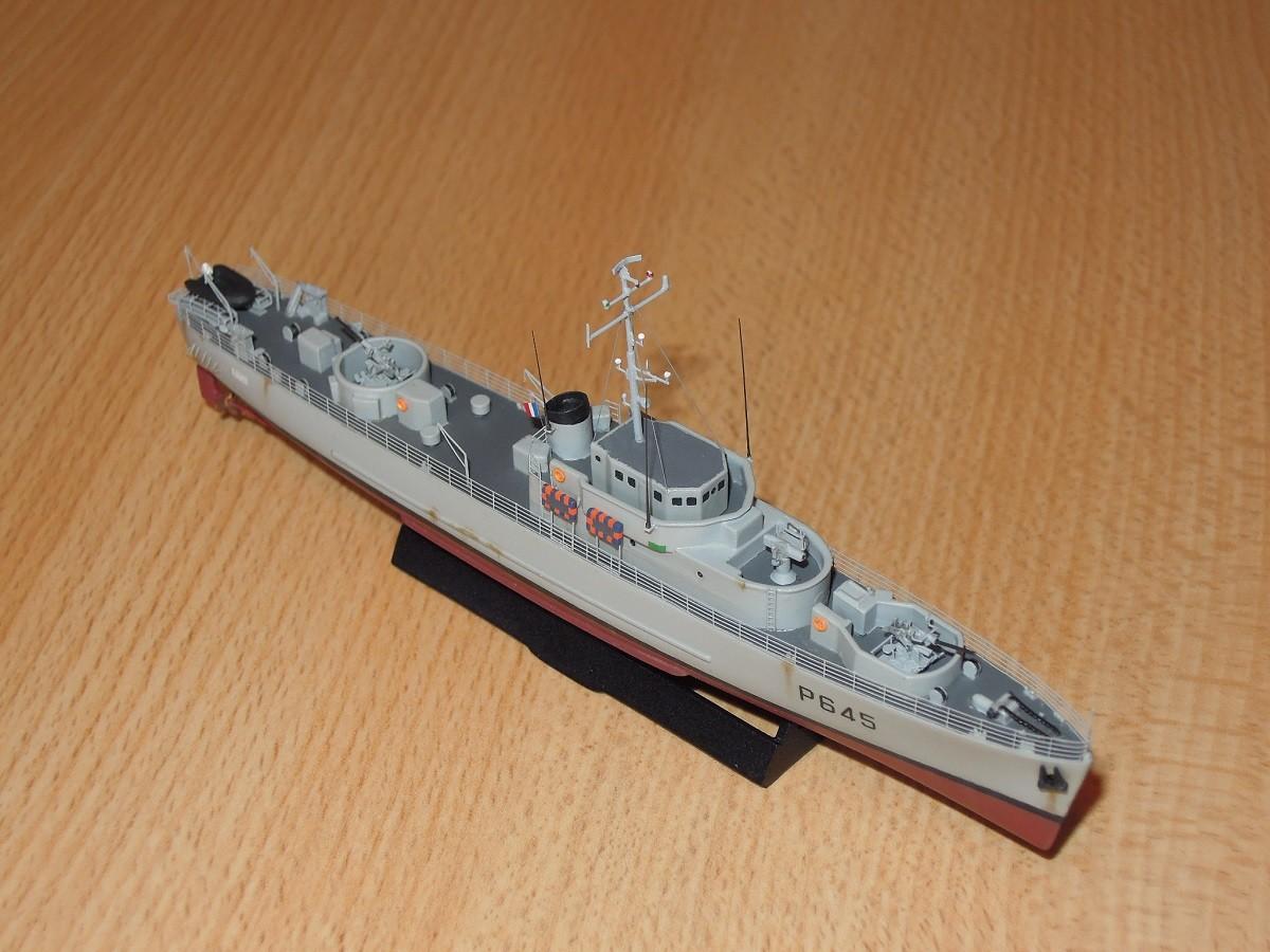 Escorteur côtier L'ALERTE - 1/400 de L'Arsenal  Dscn6612