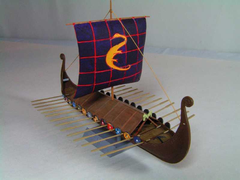 Viking Drakkar Warship - Heller 1/180 Drakka23