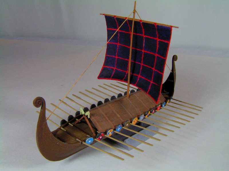 Viking Drakkar Warship - Heller 1/180 Drakka24
