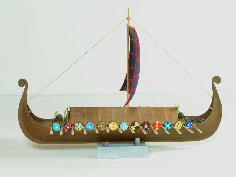 Viking Drakkar Warship - Heller 1/180 Drakka25