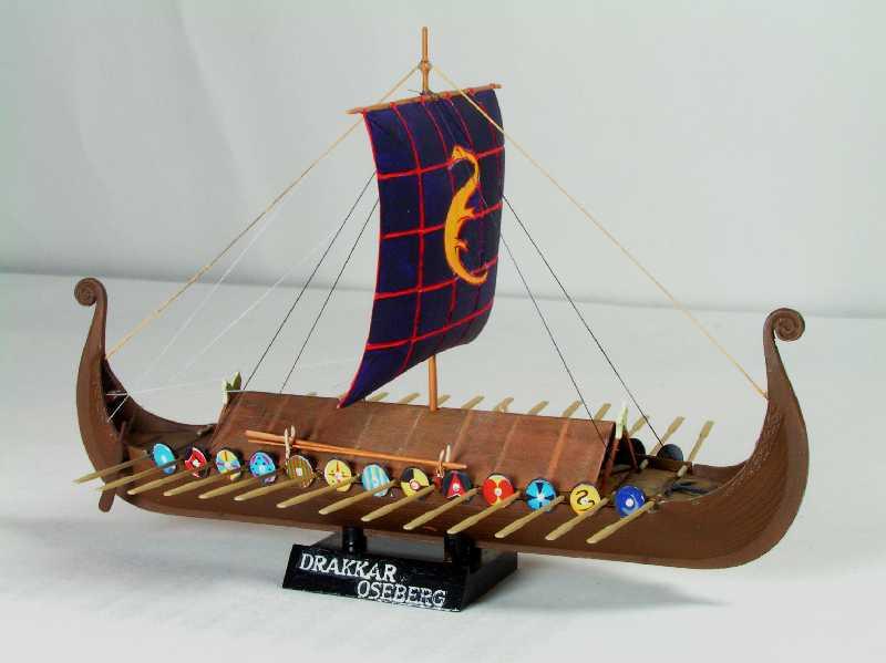 Viking Drakkar Warship - Heller 1/180 Drakka26