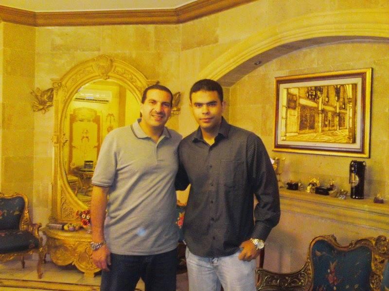 إجتماعات مكثفة بين الدجال عمرو خالد والمنوم المغناطيسي عمرو الحناوي !!! Ooua_u10