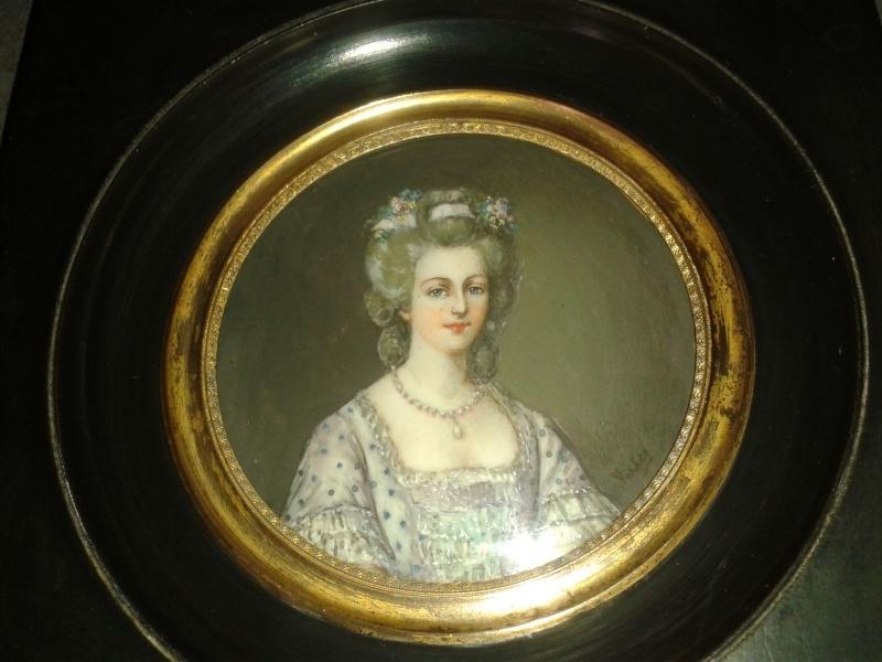 A vendre: miniatures de Marie Antoinette et de ses proches - Page 3 _5710