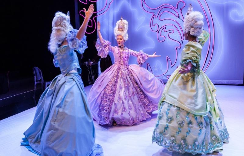 """Marie Antoinette"" de David Adjimi au Stages Repertory Theatre (Houston, Texas) Img_6510"