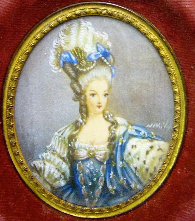 A vendre: miniatures de Marie Antoinette et de ses proches Zmi10