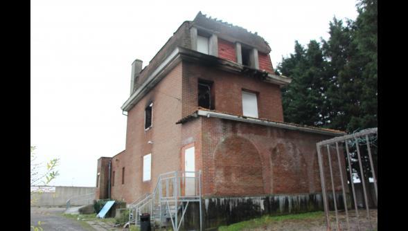 Villeneuve-d'Ascq : un incendie ravage la « maison hantée de hem » d'Hempempont 25246710
