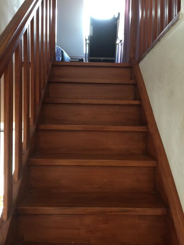 Escalier repeint et montée d'escalier relooke Img_0312