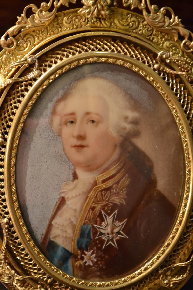 A vendre: miniatures de Marie Antoinette et de ses proches - Page 3 88783-10