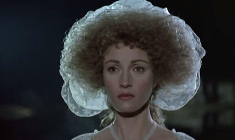 Jane Seymour - Les Années Lumières (Enrico) et Les Années Terribles (Heffron), avec Jane Seymour - Page 4 Zmir510