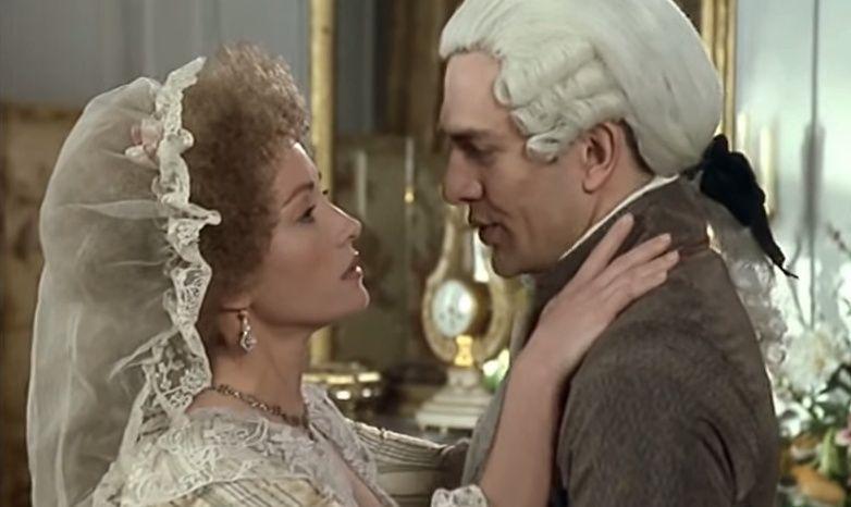 Les Années Lumières (Enrico) et Les Années Terribles (Heffron), avec Jane Seymour - Page 4 Zmont211