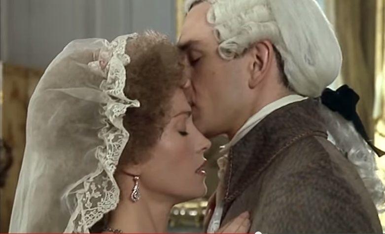 Les Années Lumières (Enrico) et Les Années Terribles (Heffron), avec Jane Seymour - Page 4 Zmont411