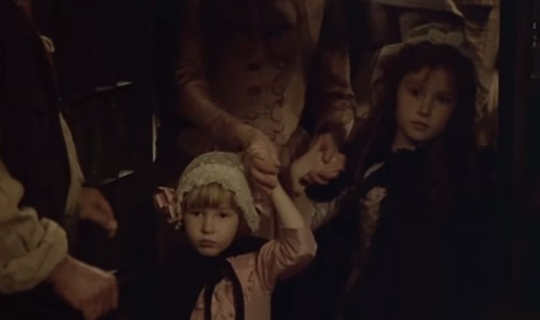 Les Années Lumières (Enrico) et Les Années Terribles (Heffron), avec Jane Seymour - Page 4 Zmont610