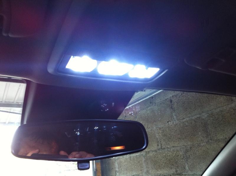 Montage ampoules LED 5W plafonnier et plaque d'immatriculation Opel Mokka Img_0514