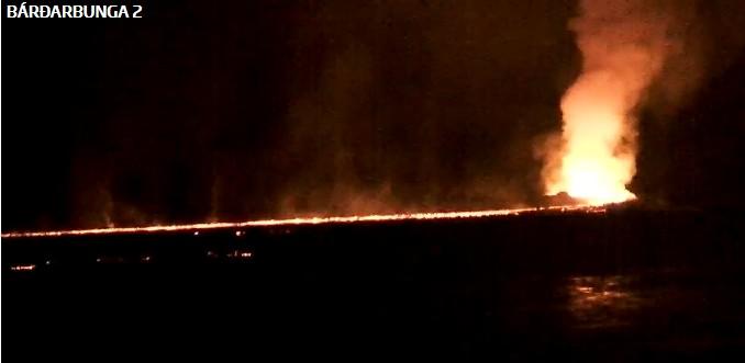 Éruption en Islande (à voir de nuit) ... + vidéo impressionnante ! Bardar10