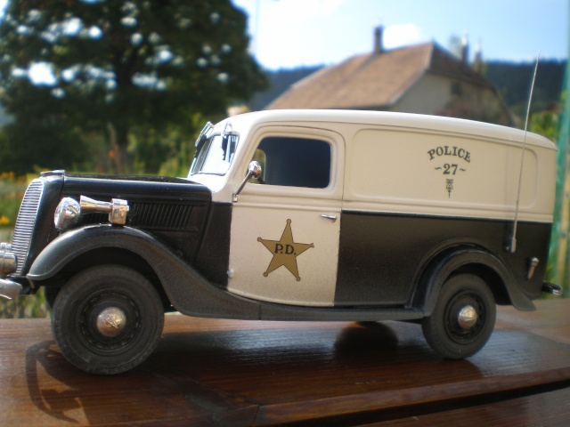 ford 37 squadrol police P1011512