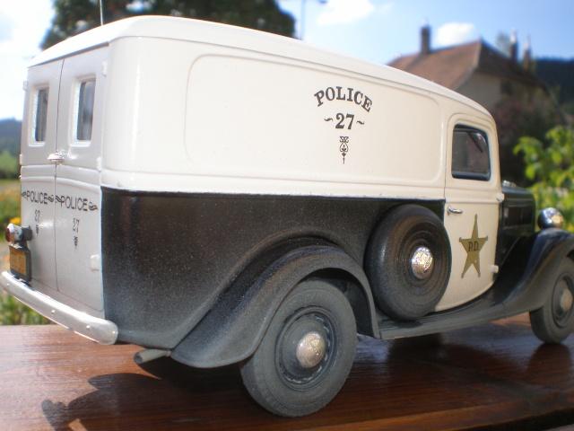 ford 37 squadrol police P1011514