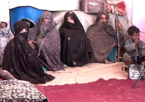 Une mère afghane a abattu 25 Talibans pour venger la mort de son fils A10